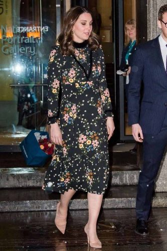 5 Stylish Celebrity Maternity Clothes You Should Buy