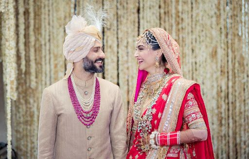 Sonam Kapoor and Anand Ahuja - happily MARRIED