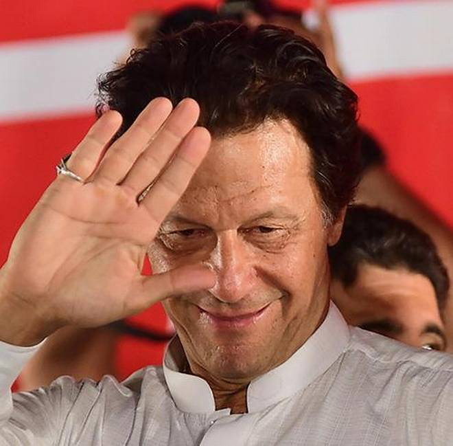 PRIME MINISTER IMRAN KHAN BIOGRAPHY, AGE, WIFE | CAPTAIN TO PRIME MINISTER