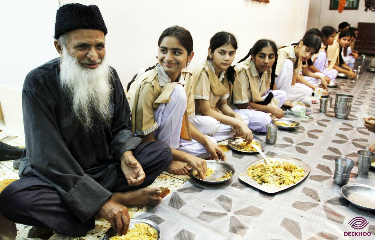 Abdul Sattar Edhi with children